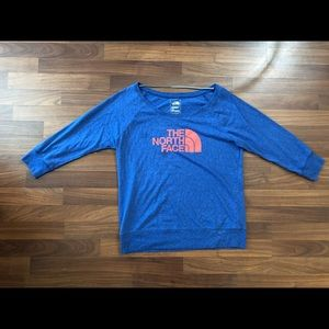 Woman's north face long sleeve